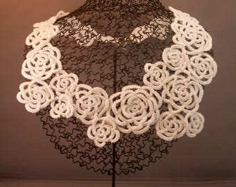 White Floral Tatted Lace Necklace