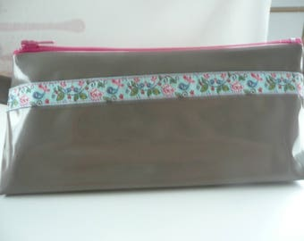 Case in Taupe oilcloth with pretty Ribbon no. 4