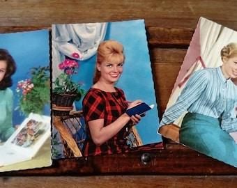 Set of 3 cards postcards vintage
