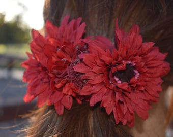 Red daisy flower hair clip