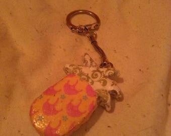 Pineapple box keychain