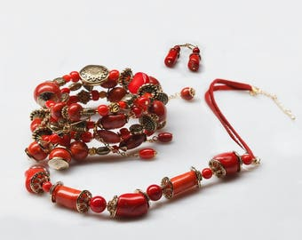 Set Adornment (Ensemble de Parure): necklace, bangle (bracalet), earrings - natural coral, jewelry alloy with gold plated 5 microns