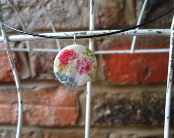 Rose, glass bead necklace