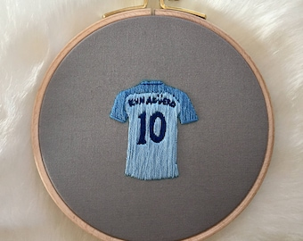 Hand-embroidered KUN AGUERO #10 Manchester City jersey