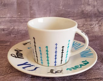 Pair of cups for travellers-couple of cups gift idea with travel and motivational aphorism-gift idea for life change