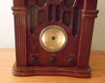 Vintage repro radio, AM/FM with cassette player, reproduction antique radios, vintage radios, cassette players, high quality reproductions