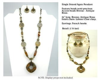 Rhyolite Pendant Necklace Set with Agate Accents