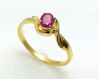 Vintage 22K Yellow Gold Ruby Ring