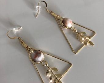 Vintage GEO earrings with Natural Gem