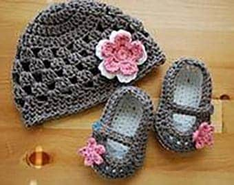 Set of baby booties + Hat wool soft hand crocheted