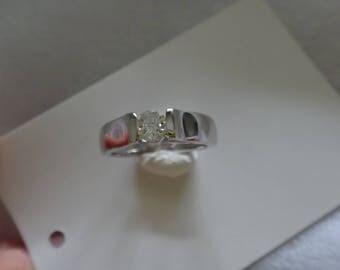 18 k Diamond Ring  ( 0.25 top white  vs-vvs)