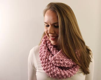 Knitted Infinity Scarf in Light Pink {Wool Scarf, Chunky Knit Scarf, Light Pink Scarf}