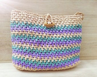 Crochet bag with stripes
