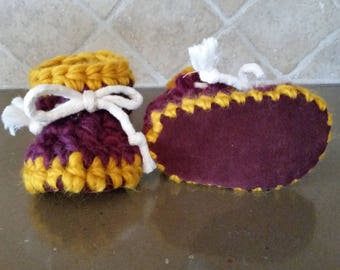 Crochet slippers with leather suede sole