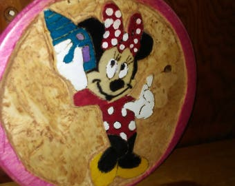 Relief carving minnie mouse
