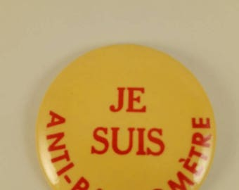 Vintage Montreal pinback button