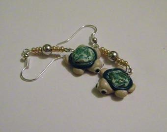 Dangle earrings - turtle
