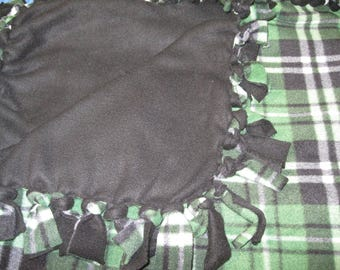 Black and Green Plaid Fleece Tied Warm and Fuzzy Blanket