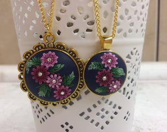 Mom and daughter neklace set, mother and daughter polymer clay pendant set