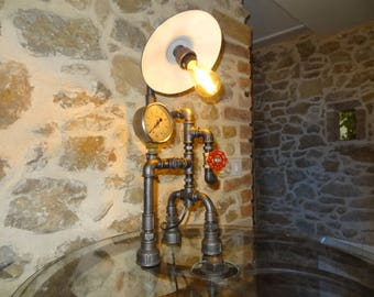 Unique creation of a lamp to put style industrial vintage