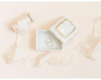 White and Gold Small Jewelry Box