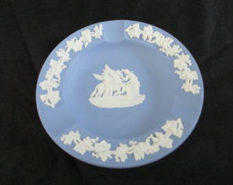 Wedgwood,1962 blue jasperware,ashtray,perfect condition