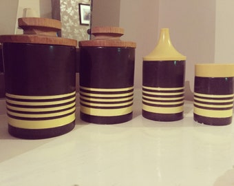 Hornsea 'Roundalay' pots