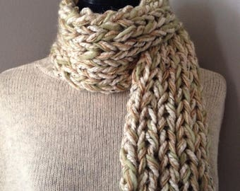 SALE Chunky Scarflette Neckwarmer with Keyhole Closure