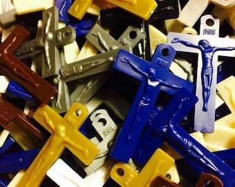 SALE 10pcs PRETTY PLASTIC Crucifixes Mission Plastic Rosary Parts