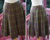 1960s Inspired Fashion: Recreate the Look OLIVE Plaid 1950s 60s Vintage Brown  Green Plaid Wool Pleated Skirt  size Small Med 27 28 waist  Its a LAWSON Original $69.99 AT vintagedancer.com