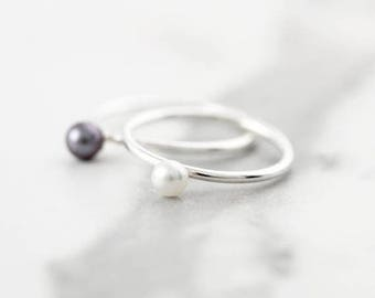 SALE 25% OFF - Pearl ring - Ring in sterling silver or gold filled