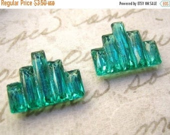 SALE 15% off vintage deco glass lime emerald green faceted beveled  city step stones (2)