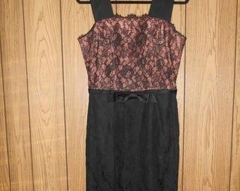 Closing shop SALE 40% off Vintage LESLIE FAY womens clothing 50's 1950's black lace dress