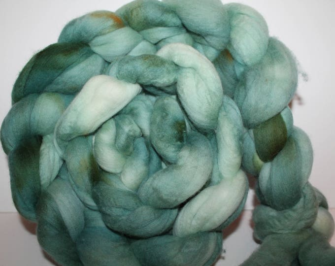 Kettle Dyed Merino Wool Top. Super fine. 19 micron  Soft and easy to spin. Huge 1lb Braid. Spin. Felt. Roving.  M326