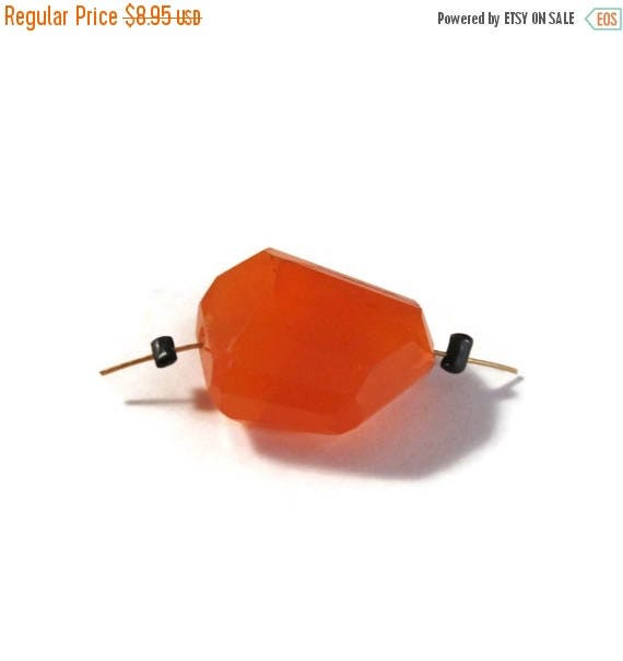 Summer SALEabration - One Carnelian Bead, Bright Orange Gemstone Nugget, Faceted Long Drilled Bead, Jewelry Supplies, 17mm x 15mm (L-Mix10c)