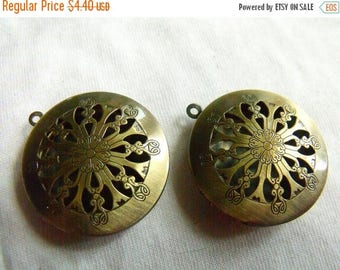 SALE 20% Off Brass Ox 32mm Lockets with Cutout Top 2 Pcs