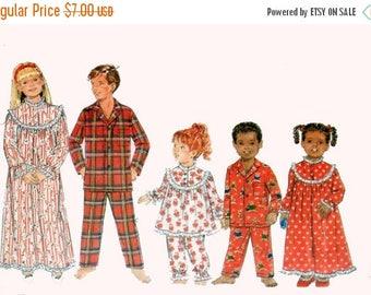 ON SALE OOP Girls/Boys Pajamas Pants and Top Christmas Nightgown Pajamas Butterick 4222 Size 7-10 Uncut