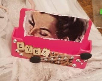 Make Up Artist/ Business Card Holder