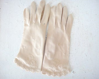 Vintage Blush Taupe Fabric Lady's Gloves, Embroidered Detail, Ladies, Formal, Boxed Fingers, Bridal, Wedding