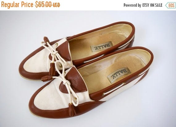 SUMMER SALE / 20% off Vintage 80s 90s BALLY Brown Leather and White Canvas Slip On Loafers (size 8.5)