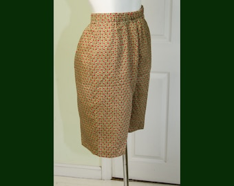 Vintage 1960's Woman's High Waisted Small Floral Print Walking Shorts
