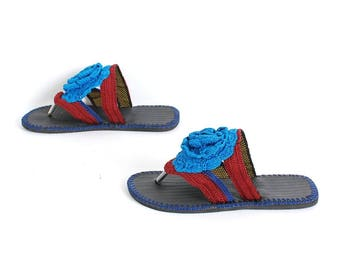size 9 FLOWER blue red  90s BRAIDED PUFF summer sandals