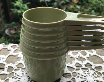Set of 6 Vintage Avocado Green Plastic Tupperware Measuring Cups