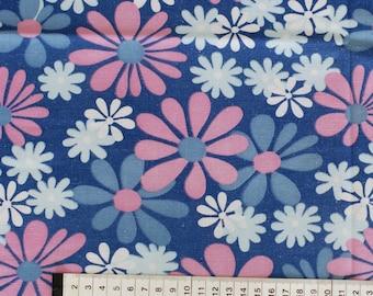 Seventies vintage floral fabric - 65x55 cm.