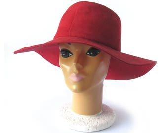 60 70s Vintage Mod Floppy Suede Hat / RED SUEDE Wide Brim Hat / Fedora / Hippie Chic / Boho Festival Style  / Deborah / Size 22 Small