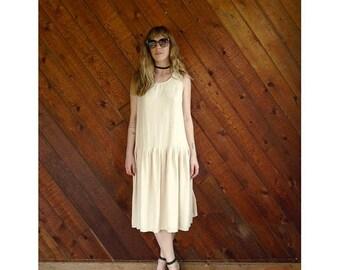 20% off SUMMER SALE. . . Beige Pleated Sleeveless Tea Length Dress - Vintage 80s - S/M
