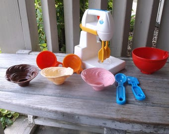 1987 Fisher Price Fun with Food Mixing Set Complete