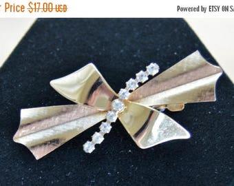 On sale Pretty Vintage Rhinestone, Gold tone Bow Hair Clip (AM16)