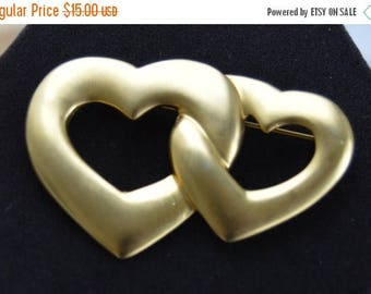 ON SALE Pretty Vintage Brushed Gold tone Double Heart Brooch, Valentine's Day (L17)