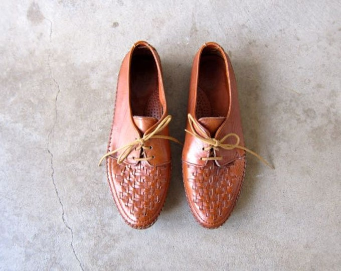 90s Woven Oxfords Brown Leather Braided Lace Up Shoes Preppy 1990s Vintage Prep Hipster Slip On Tie Shoes Womens 9.5